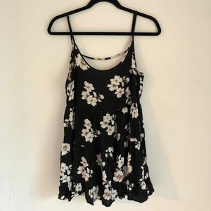 Brandy Melville Loose Fit Sleeveless Floral Top